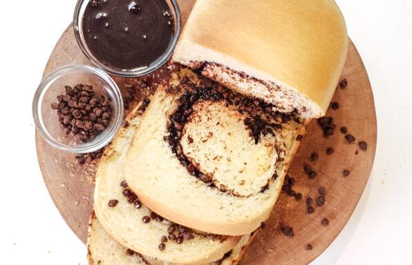 Roti isi coklat